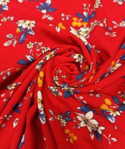 Красная вискоза с цветами