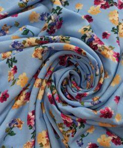 Голубая штапельная вискоза с цветами